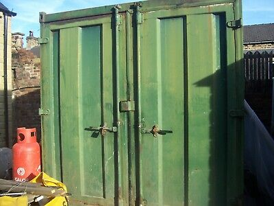 SHIPPING CONTAINER / 10ft.