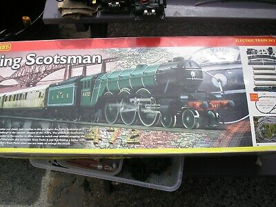 Hornby Flying Scotsman Train Set R1039 includes track mat good used