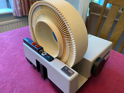 Hanimex La Ronde eft 35mm Slide Projector with 120 slide carousel