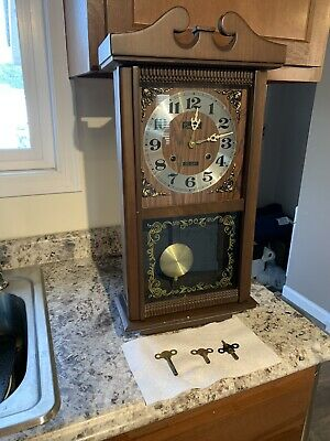 Vintage Centurion 35 Day Wind-Up Chiming Wall Clock With Keys As-Is