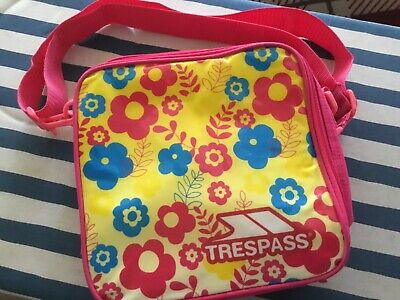 'Trespass' Carry Bag/Lunch Bag - Empty With Handle & Shoulder Strap