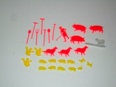 Pigs Dogs Hayes Farm Animal Toy Assortment Fencing 20pc Play Set Horses