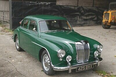 MG Magnette ZA 1955 - Early Tin top dash model