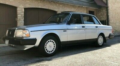 1989 Volvo 240 DL 1989 Volvo 240 DL ~ Restored ~ Absolutely Stunning ~ 2 Owners ~ All Records