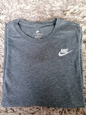 Boys girls unisex Nike T-shirt Top Grey age/ size10-12