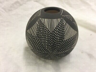 Incised Navajo Seed Pot marked SV