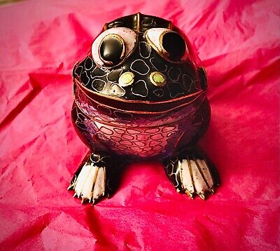 Enamel on brass handmade vintage cloisonné frog / Toad with back as  lid / Trink