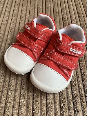 Clarks Doodles unisex red canvas shoes//trainers sizes 5//21-6//22.5 F
