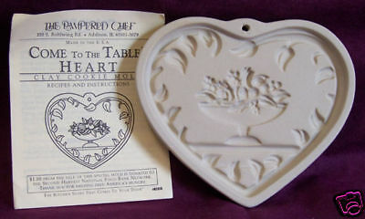 Pampered Chef Baking Mold  Come To The Table Heart Shaped Cookie Size