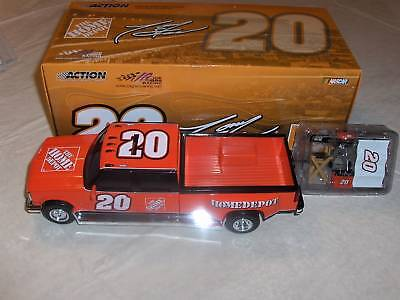 2005 TONY STEWART DUALLY TAILGATE SET DIECAST 1:24