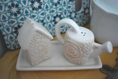 Ceramic Vintage/Rustic/Farmhouse/Country House/Watering/Can Salt/Pepper Shakers