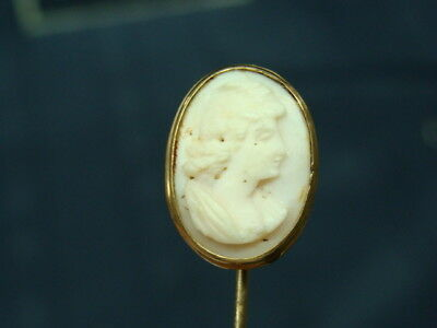 ANTIQUE 10 Kt GOLD AND HAND CARVED WHITE CAMEO PIN