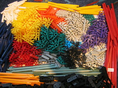 Job lot of Assorted selection of K'nex - 550 pieces Birthday or Xmas Gift Id .