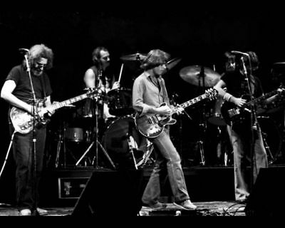 Grateful Dead Jerry Garcia Concert Rock Band 8X10 Photo