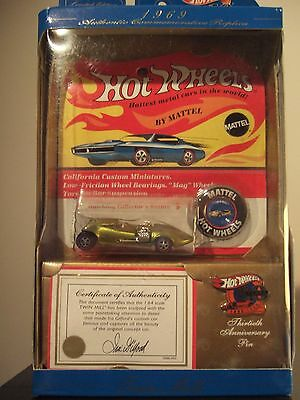 Hot Wheels 30th Anniversary Twin Mill Anti-Freeze w/Collector Button/Pin 1:64