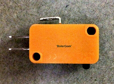 MICROSWITCH-125/250VAC / 10 AMP / 1/2 hp / NO NC COM / Vabsco / snap switch /D42