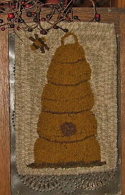 "Primitive Hooked Rug Pattern On Monks ""petite Prims Series ~ Beehive"""