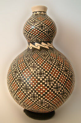 """Mata Ortiz Pottery Signed by Artist Ani Rodriguez 9"""" Tall Museum Quality"""