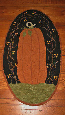 "Primitive Hooked Rug Pattern On Monks ""great Pumpkin"""