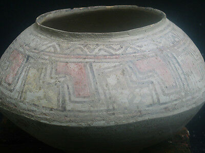 Authentic and nice Indus valley large vessel, 3th millenium BC.