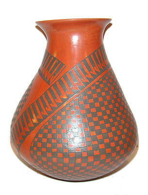 """Mata Ortiz Pottery Signed by Dora Quezada Museum Quality 8"""" Tall"""