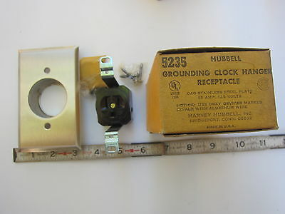 Hubbell HBL 5235 15A 125V Grounding Clock Hanger Receptacle 5-15R, New