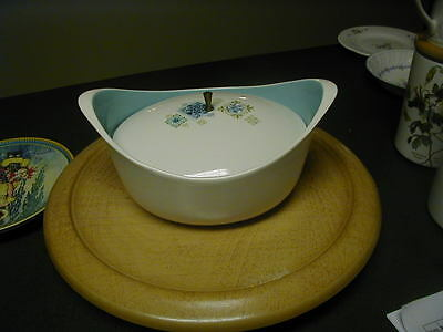 VINTAGE TAYLOR SMITH & TAYLOR BLUE DISH WITH LID