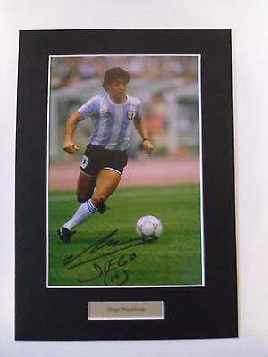 Diego Maradona signed autograph photo