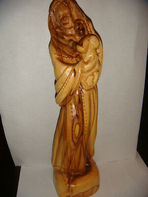 VIRGIN MARY (MADONNA) WITH A CHILD (BABY) OLIVE WOOD STAUE FROM THE HOLY LAND