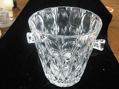 Gorgeous Cut Glass and Bevelled Edge Oval Pane Ice Bucket Excellent Cond