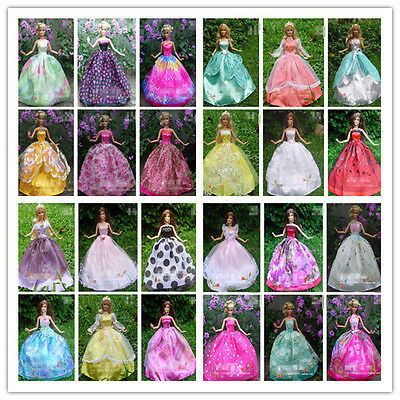 Lots 30 Items = Handmade Barbie Clothing Clothes Dresses Gown + shoes + hangers
