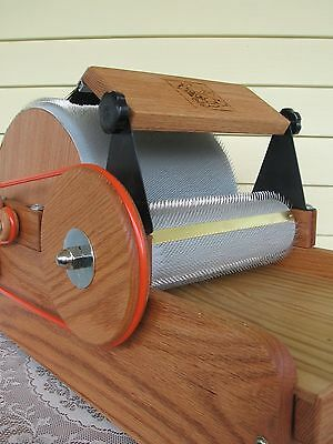 72/90tpi Little Tom Manual Drum Carder by Fancy Kitty