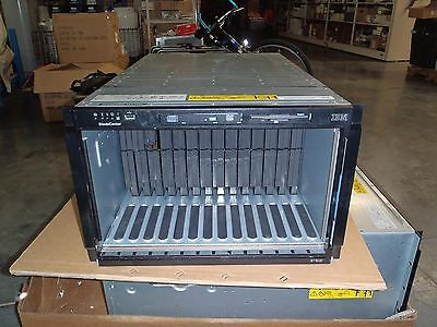 IBM BladeCenter Blade Server Chassis 8677 3XU 39M3377 MT-M -Used