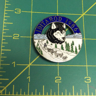 1986 Alaska Iditarod dog sled race large tie tac lapel Pin, 1000 tough miles
