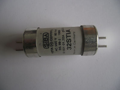 Siba Stia 32 Amp Bs.88 Fuse Offset Bolted Tag