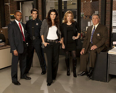 Rizzoli and Isles [Cast] (48458) 8x10 Photo