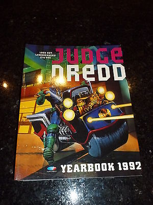 JUDGE DREDD Comic Year book 1992 - Year 1992 - UK Fleetway - Annual Book