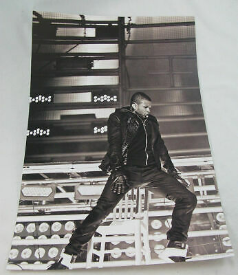 "Usher Dancing Onstage OMG 2010 Official Tour Mini Poster 12"" X 18"" NWOT"