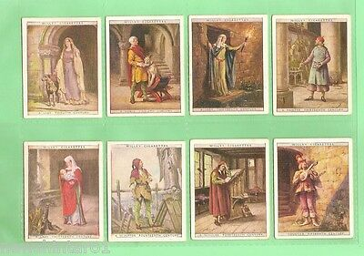 """1929  """"english Period Costumes""""  Set Of Cigarette Cards"""