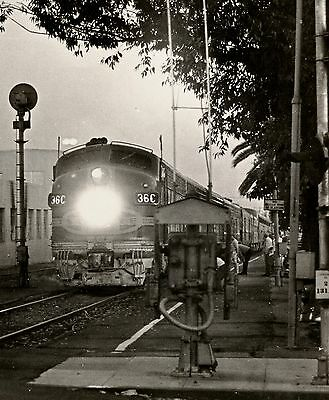PRINT of Santa Fe's El Capitan/Super Chief at Pasadena, CA - 1967