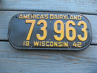 1942 42 Wisconsin Wi License Plate Nice Tag - Original Condition