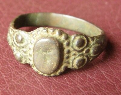 Antique Bronze RING > 19th to early 20th Century Sz: 8 1/4 US 18.25mm 11465