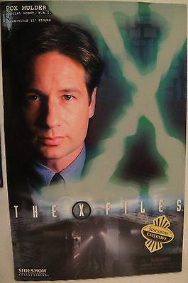"SIDESHOW  X-FILES HOME FOX MULDER EXCLUSIVE EDITION 12"" Sixth Scale Figure MIB"