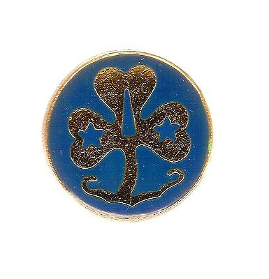 #d103.  Girl Guide Lapel Badge - Round, Large Stars