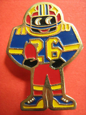 Official Robertsons American Football Golly Badge(1990)