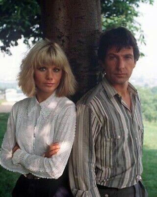 Dempsey and Makepeace [Cast] (54143) 8x10 Photo