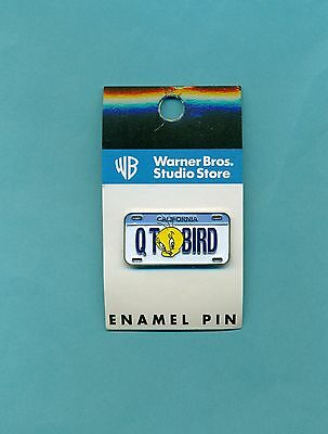 Tweety mini license pin QT bird vintage new on card Looney Tunes Warner Store