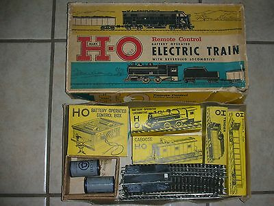 Vintage Marx H-O Remote Control Battery Operated Electric Train w/Reversing Loco