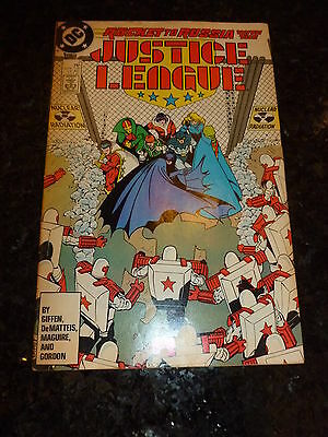 JUSTICE LEAGUE INTERNATIONAL Comic - No 3 - Date 07/1987 - DC Yellow Background