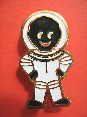 Official Robertsons Astronaut Golly Enamel Pin Badge (1990)
